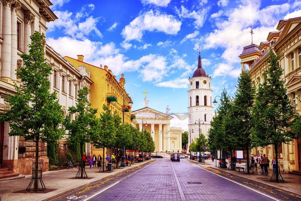 VILNIUS Cathedral square - ავიაბილეთები ვილნიუსი